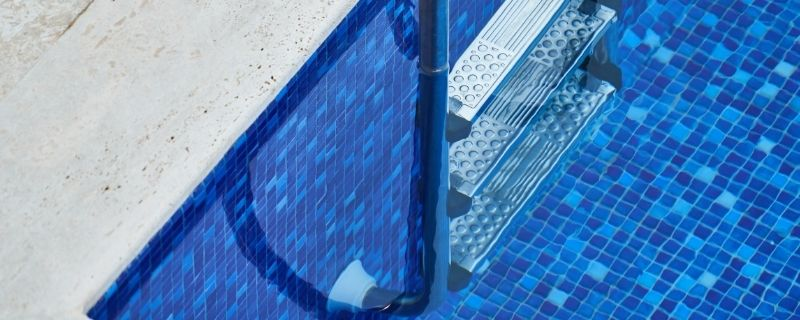 How to Get Dirt Out Of Pool Without Vacuum